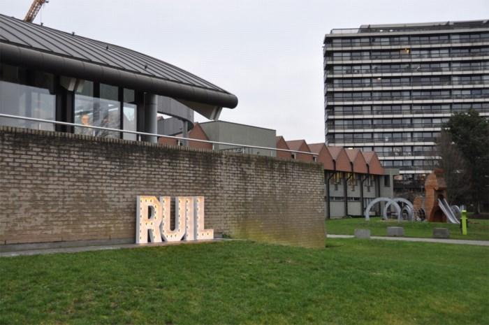 """Regenboogstadion van Zulte Waregem krijgt nieuwe naam: """"We respecteren de geschiedenis"""""""