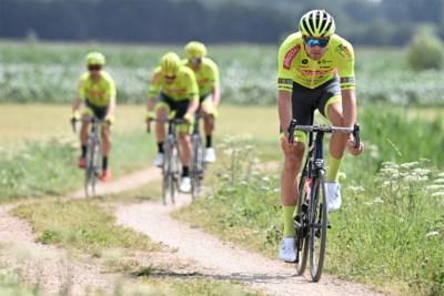 PLOEGVOORSTELLING. Team Bingoal - Wallonie Bruxelles: jaartje ouder, jaartje sterker