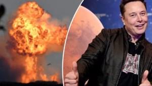 """Elon Musk blijft optimistisch na alweer ontplofte SpaceX-raket, experts iets minder: """"Zo gaan we in 2024 niet op Mars geraken"""""""