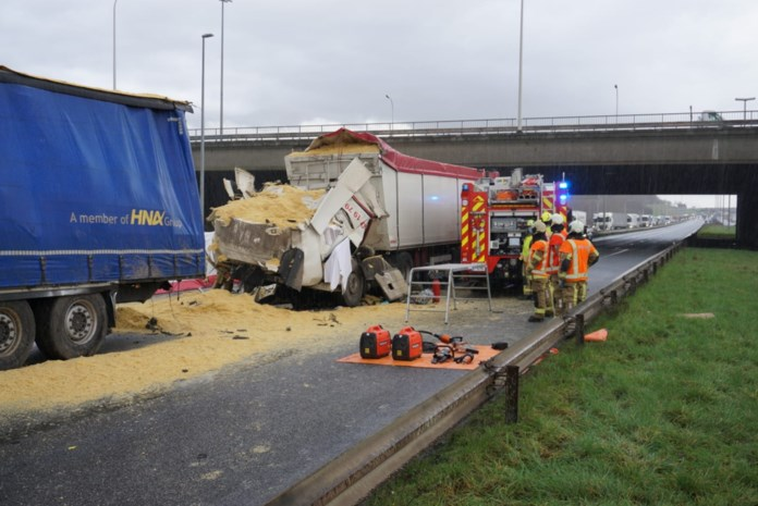 """Fransman (36) sterft bij botsing met vijf vrachtwagens op E17: """"Franse overheid mag dit slachtoffer op haar conto schrijven"""""""