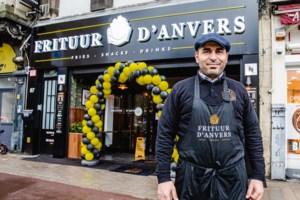 Oesem start vol goede moed met Frituur d'anvers (en opent meteen tweede zaak)