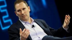 Een luidruchtige rockfanaat die uit een heel brede schaduw moet treden: wie is Andy Jassy, de opvolger van Jeff Bezos bij Amazon