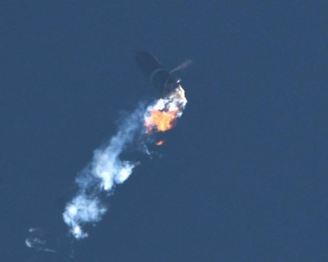 """SpaceX-raket ontploft (alweer): """"We moeten nog wat aan de landing werken"""""""