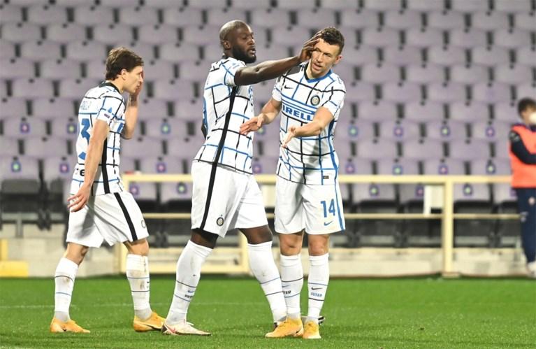 Goal van Romelu Lukaku afgekeurd, maar Inter wint wel vlot met 0-2 van Fiorentina en springt weer naar leiding