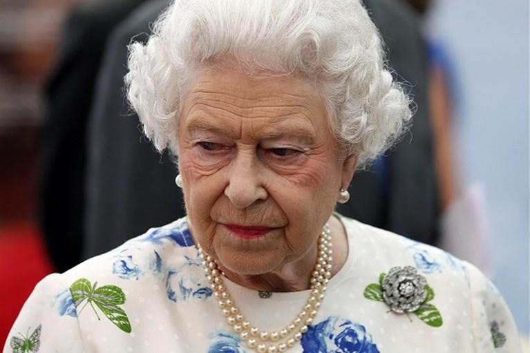 ROYALS. Prins Harry krijgt schadevergoeding, geen skivakantie voor de Oranjes