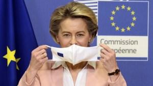 Commissievoorzitter Ursula von der Leyen ligt onder vuur na blunders in coronastrategie
