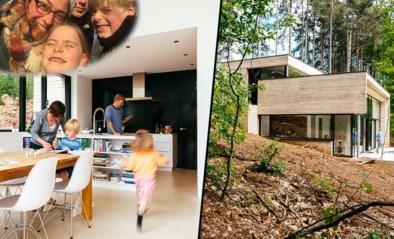 """Sven en Marta wonen op een steile boswand: """"Het huis lijkt op een soort bunker die wordt opgeslorpt door de natuur"""""""