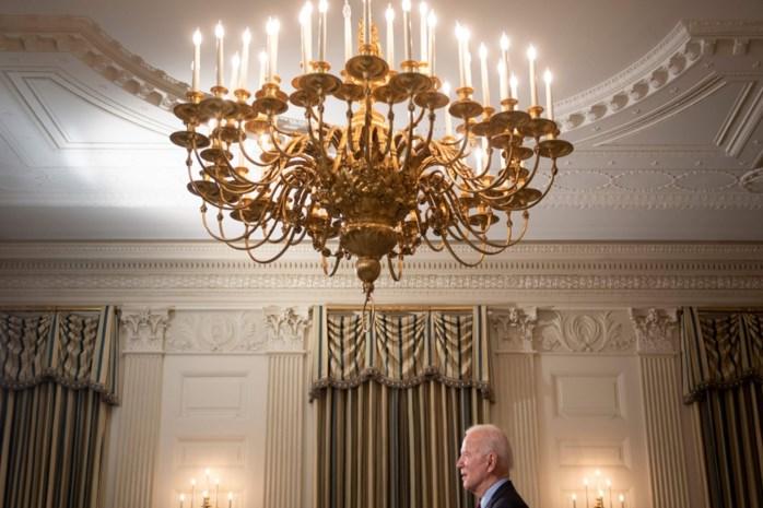 Vier keer meer presidentiële decreten dan Trump en straffe peilingen na zijn eerste weken: hoe 'sleepy' is Joe eigenlijk?