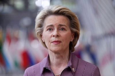"""Ursula von der Leyen slaat mea culpa over trage start vaccinatiecampagne: """"We hadden moeten weten dat er van in het begin problemen zouden opduiken"""""""