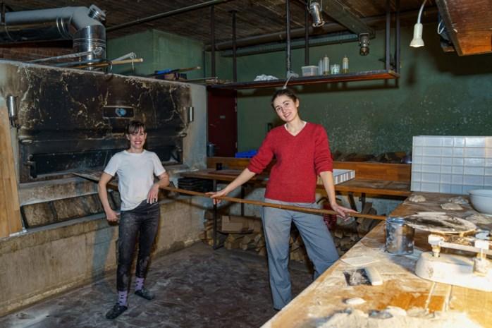 """Bakkers Sarah (41) en Agata (28) maken zuurdesembrood in Gent: """"Donderdag aan begonnen, zaterdag in de winkel"""""""