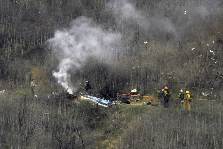 """Onderzoek naar fatale helikoptercrash van Kobe Bryant wijst op spijtig ongeluk: """"Piloot wilde hem niet teleurstellen"""""""