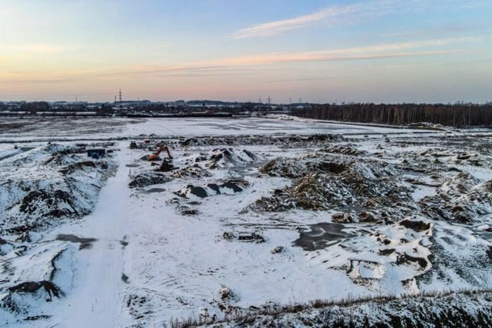 """Forse boete voor lozen van (afval)grond in koelwaterbekken: """"Mens en milieu in gevaar gebracht"""""""