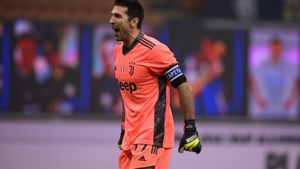 """En hij blijft maar doorgaan: """"Gianluigi Buffon (43) gaat nog eens bijtekenen bij Juventus"""""""