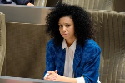 Eigenzinnig, alternatief én 50.000 euro: gerommel bij Open VLD nadat uitlekt dat partij campagne van Sihame El Kaouakibi betaalde