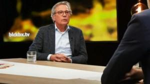 """Van Ranst en co. niet te spreken over """"gevaarlijke"""" bioloog Theo Schetters die ook BV's overtuigt om zich niet te laten vaccineren"""