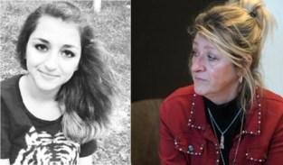 """Zes jaar geleden verloor ze haar dochter door een selfie op de sporen, nu wordt ze het gezicht van een campagne tegen spoorlopen: """"Die trutten hebben het zelf gezocht, moest ik horen"""""""