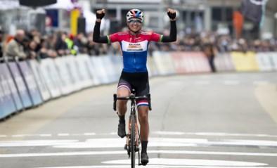 Zestiende Omloop Het Nieuwsblad voor vrouwen verwelkomt wereldtop