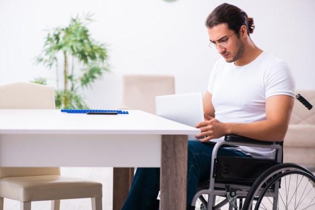De Sutter maakt 500.000 euro vrij voor telewerkende ambtenaren met een handicap