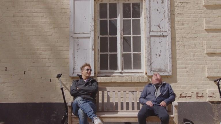 Deze mensen delen laatste momenten uit hun leven met James Cooke in 'Leef!'