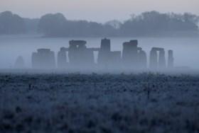 """Nieuw onderzoek bevestigt middeleeuwse legende rond megalieten Stonehenge: """"Meest opwindende vondst uit mijn carrière"""""""