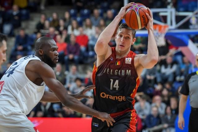 Maxime De Zeeuw en Matt Lojeski plaatsen zich voor tweede ronde Champions League basket