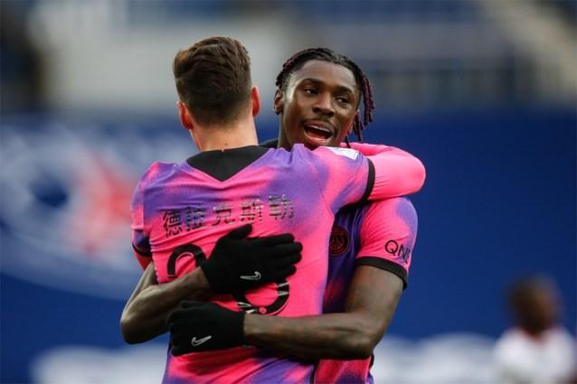 Paris Saint-Germain komt naast Lille aan de leiding in Ligue 1, achtervolger Lyon gaat de mist in tegen Montpellier