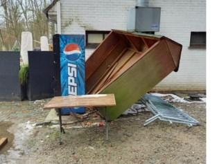 """Vandalen beschadigen terras brasserie: """"Onze sector is al zo zwaar getroffen, en nu dit"""""""