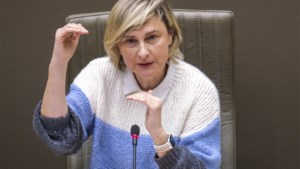 Crevits wil langdurige tijdelijke werklozen verplichten naar VDAB te stappen