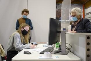 Vaccinatiecentra uitgetest door vijftigtal vrijwilligers<BR />