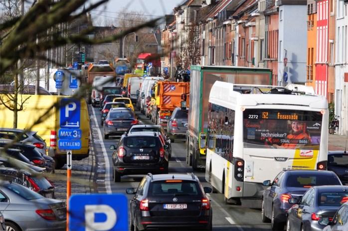 Combinatie van werven nadert kookpunt: elke dag file op de stadsring van Gent