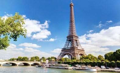 Eiffeltoren wordt in gouden kleurtje gestopt