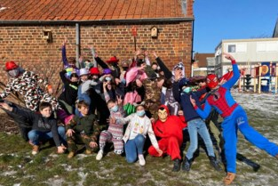 't Schoolke viert carnaval in klasbubbel
