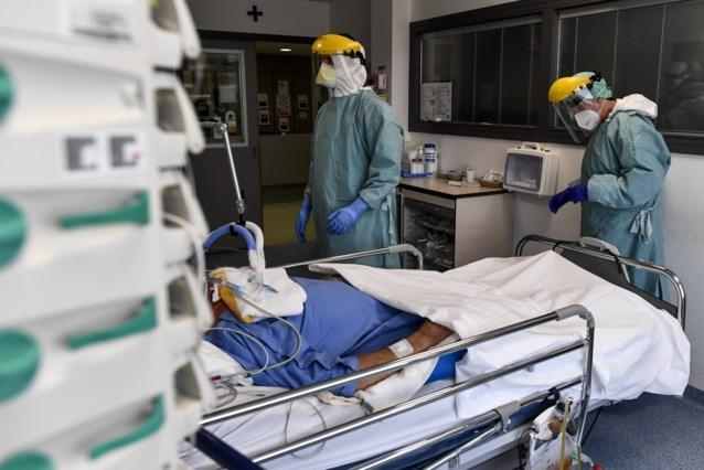 Ziekenhuisopnames blijven fors toenemen, ook aantal coronabesmettingen stijgt weer