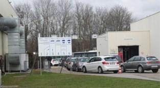 """Krokusdrukte aan autokeuringsstations, ook voor online afspraken: """"Veel mensen hebben nu tijd"""""""