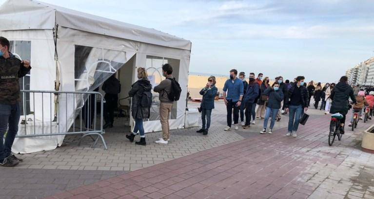 Daar is de lente en ook de drukte: politie vraagt om niet meer naar Oostende te rijden, code oranje in Gent, zoos volgeboekt