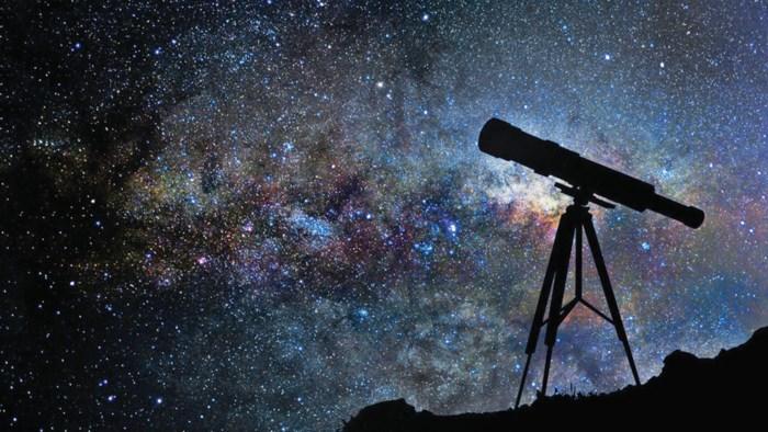 Corona doet ons naar de hemel kijken: verkoop van telescopen schiet de hoogte in