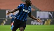 Romelu Lukaku schiet Inter met goal en assist in Milanese derby nog steviger aan de leiding in de Serie A