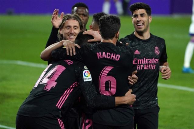 Real Madrid nadert tot op drie punten van leider Atlético, maar mag sterke Thibaut Courtois opnieuw danken