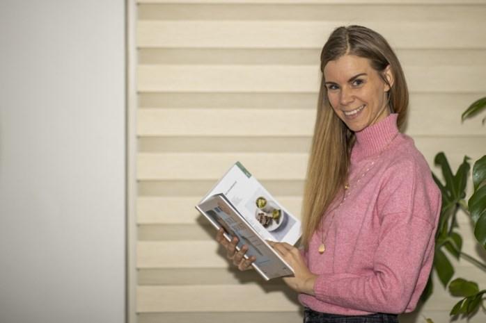 Leerkracht Nederlands schrijft met schoonmoeder een boek over gezond koken en leven