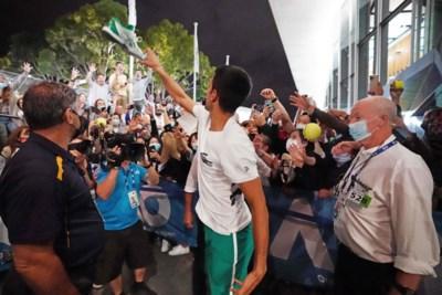Novak Djokovic zet recordrace op scherp: negende eindzege op Australian Open, nog slechts 2 Grand Slams minder dan Federer en Nadal