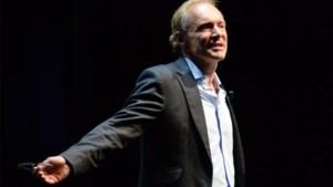 Britse uitvinder internet krijgt eredoctoraat aan UGent