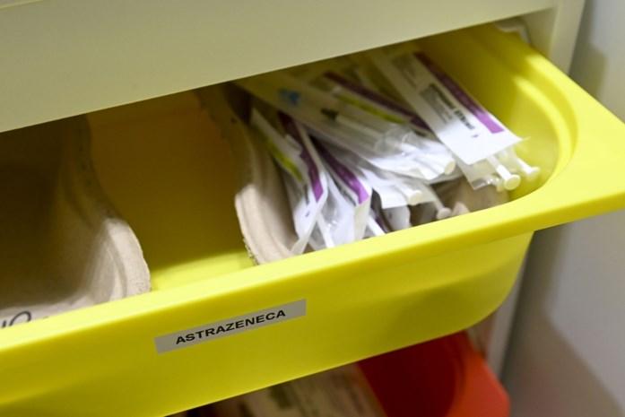 200 zorgkundigen kregen een uitnodiging om zich te laten vaccineren, maar een derde daagde niet op: hoe komt dat?