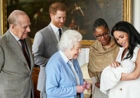 Britse Queen wil explosief interview  Harry en Meghan te snel af zijn