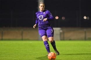 """Britt Vanhamel is de psychologe van Anderlecht Ladies: """"Ik koester ambitie als trainer, maar eerst nog een titel"""""""