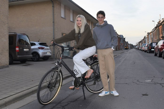 Heldin op blote voeten: toen de fiets van Iben (16) werd gestolen, twijfelde vriendin Ninel geen seconde