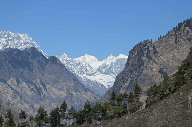 Gletsjer afgebroken in India: autoriteiten verklaren 136 mensen dood