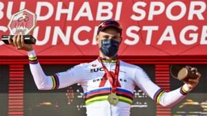Remco Evenepoel laatste die wereldkampioen Ganna kon kloppen, Italiaan al 8 tijdritten ongeslagen na zege UAE Tour