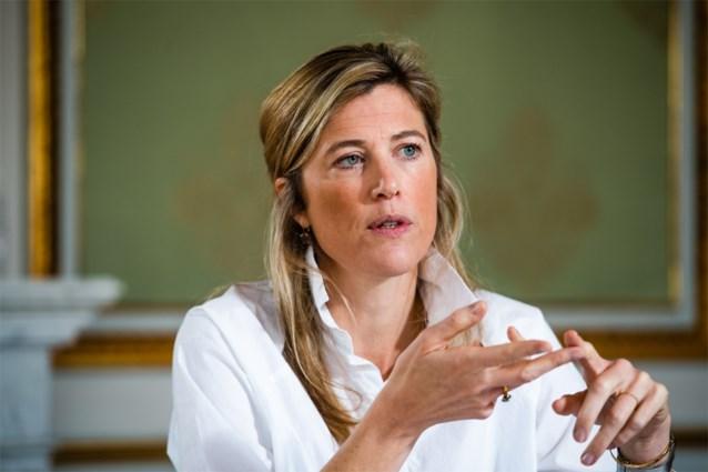 """Minister Annelies Verlinden reageert op uitstap Dries Van Langenhove: """"Betoging in buitenland valt niet onder essentiële reizen"""""""