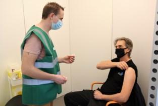 """Vaccinaties gestart in Tongeren: """"Maandagavond zeven afmeldingen"""""""