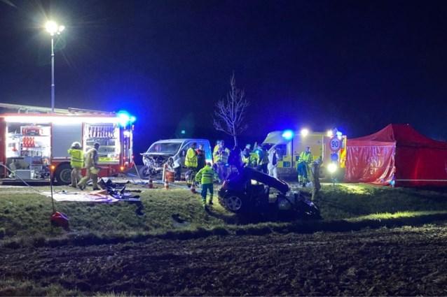 Negentienjarige man uit Diepenbeek omgekomen bij zware botsing in Wellen